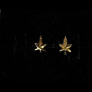 Real 14K Gold Cannabis Marihuana Small Studs